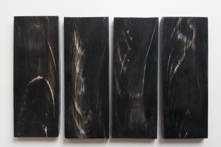 Накладки из черного рога буйвола, с белыми полосами. 160*60*8,5